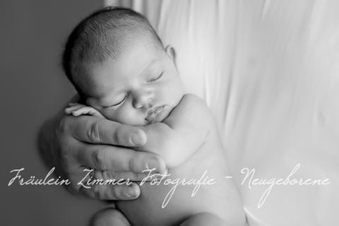 Neugeborenenfotograf_Neugeborenenfotos_Baby_Babyfotos_Babyfotograf Leipzig_Babybilder Leipzig_Babybilder Sachsen_Babyfotograf Sachsen_Homestory Leipzig_Fotograf Leipzig-12