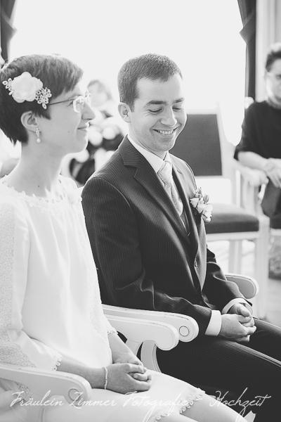 Hochzeitsfotograf Leipzig, Heiraten in Leipzig, Hochzeitsreportage, Brautpaar, Markkleeberg, weißes Haus Leipzig, Standesamt Leipzig (1)