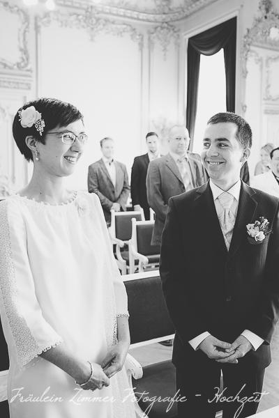 Hochzeitsfotograf Leipzig, Heiraten in Leipzig, Hochzeitsreportage, Brautpaar, Markkleeberg, weißes Haus Leipzig, Standesamt Leipzig (2)