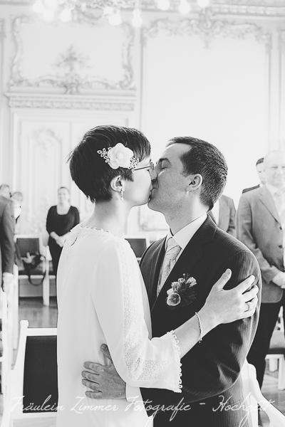 Hochzeitsfotograf Leipzig, Heiraten in Leipzig, Hochzeitsreportage, Brautpaar, Markkleeberg, weißes Haus Leipzig, Standesamt Leipzig (3)