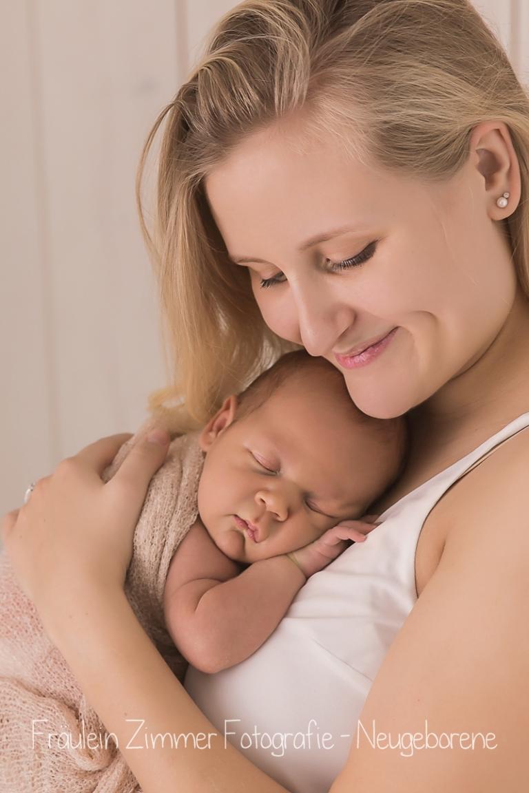 baby_babyfotograf-leipzig_babybilder-leipzig_babybilder-sachsen_babyfotograf-sachsen_homestory-leipzig_fotograf-leipzig