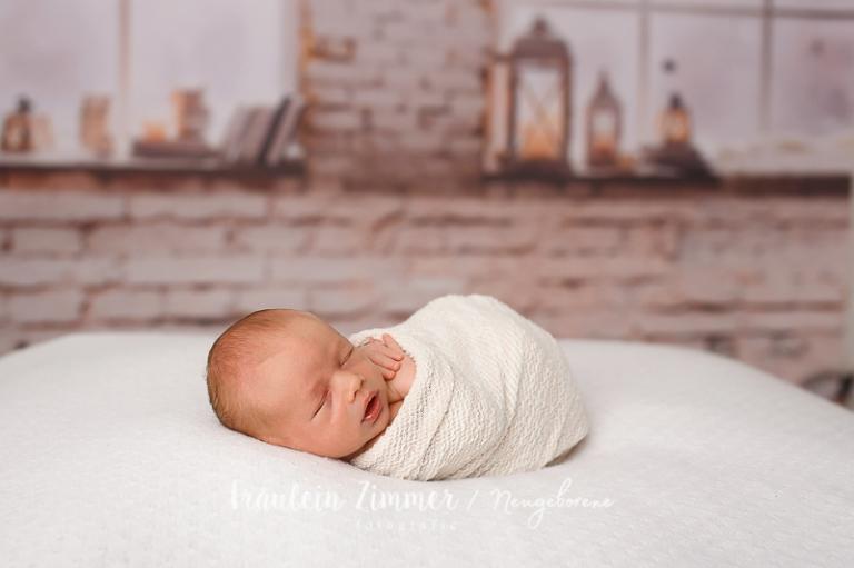 liebevolle Bilder von Eurem Baby in den ersten Tagen